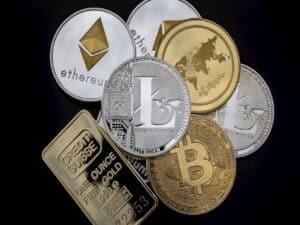 imagem de criptomoedas representando criptomoedas atraem investidores institucionais