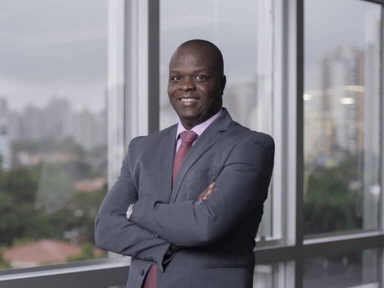 profissional negro, representando programa de liderança para negros