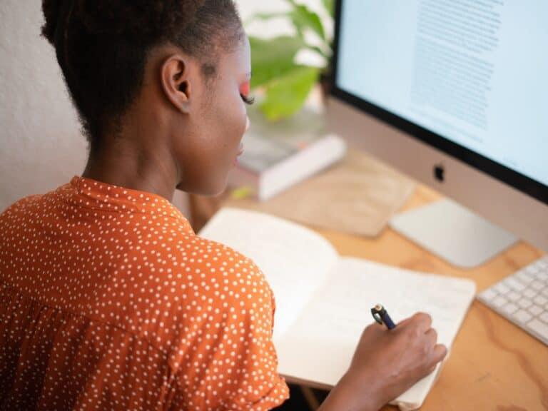 Freelancer fazer anotações para analisar se a Workana vale a pena