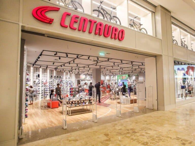 fachada de loja da centauro, uma das integrantes do Programa de trainee do Grupo SBF