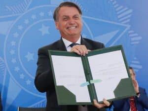 bolsonaro, que disse que o brasil está quebrado