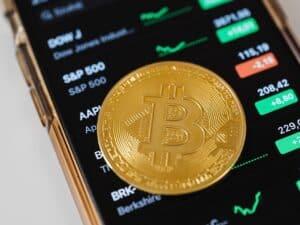 bitcoin, representando golpes financeiros criptomoedas