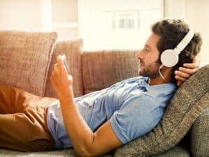 como ganhar dinheiro assistindo vídeos