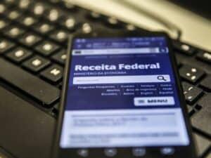 celular no site da receita federal, representando imposto sobre fortunas