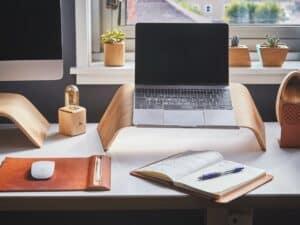 computador, representando melhor banda larga