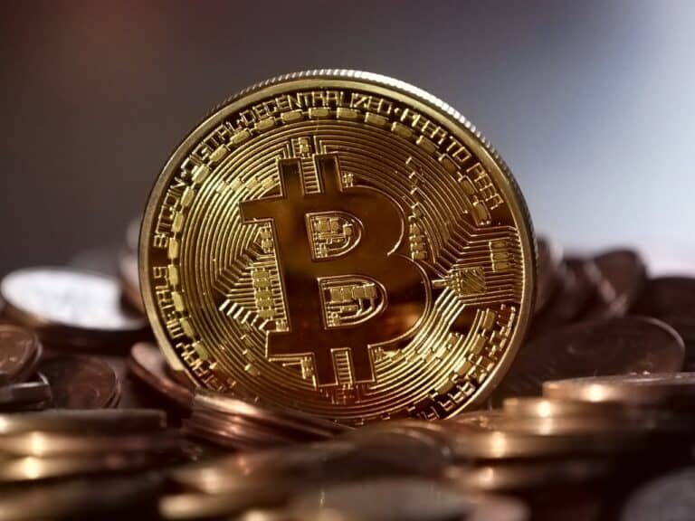 moeda de bitcoin, representando preço do bitcoin