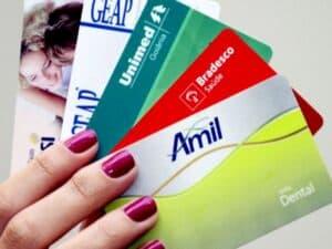 cartões de planos de saúde, representando reajustes dos planos de saúde (1)