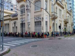 fila para vagas de emprego em 2021