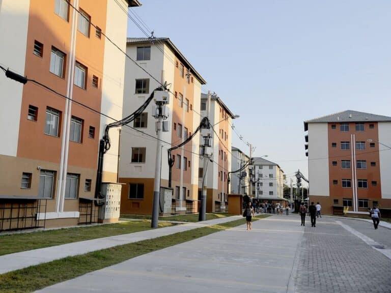 filas de apartamentos em venda de imóveis