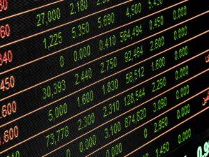 tabela com números, representando começar no mercado de ações