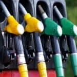 bombas de combustível representando preço do combustível