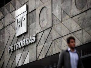 fachada do prédio da Petrobras representando venda de ações da Petrobras