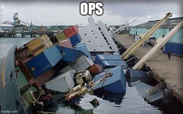 navio afundando por sobrepeso