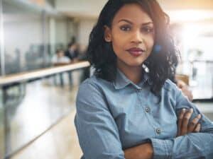mulher negra representando programa de formação em TI