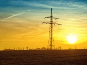 torre de energia, representando créditos tributários conta de energia