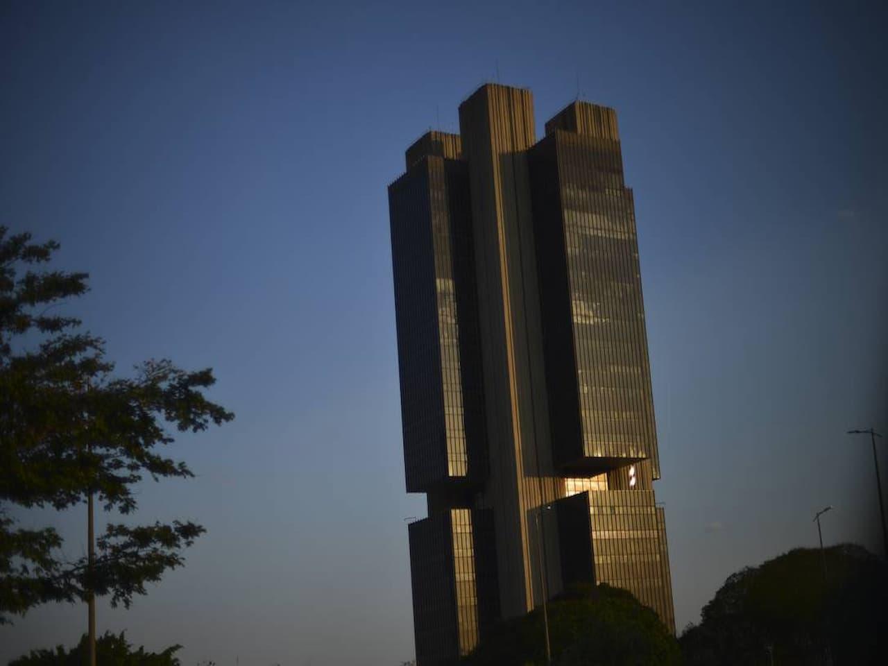 prédio do Banco Central (BC) representando projeção de PIB