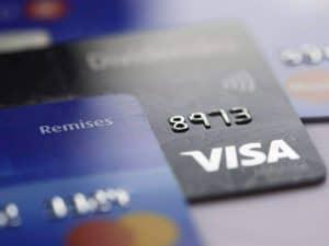 Cartões de crédito representando cartão sem comprovação de renda.