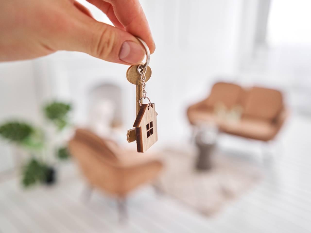 chaveiro de casa representando aluguel mais barato
