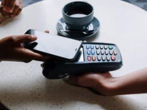 imagem de uma máquina que faz venda digitada