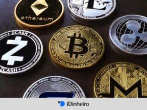 moedas de bitcoin e outros, representando o investimento em criptomoedas